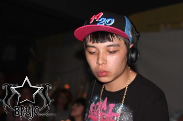 PartyShank2